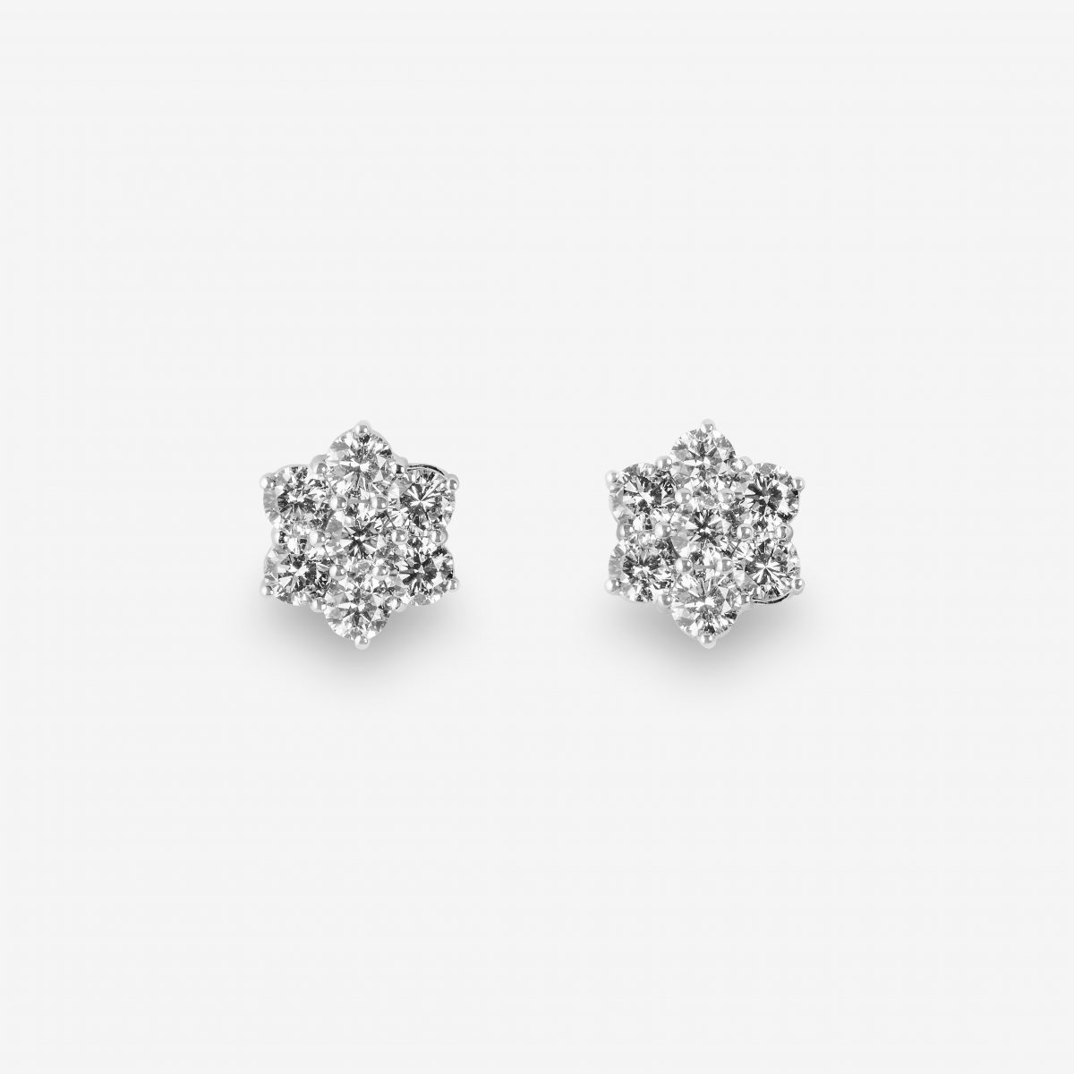 Pendientes oro blanco y brillantes, 2,62 quilates.